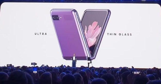Samsung Galaxy Z Flip Telah Dirilis Dengan Speksifikasi Gahar Versi Lipat